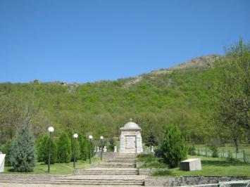 Θρακικό συγκρότημα μνημείων-παρεκκλήσια
