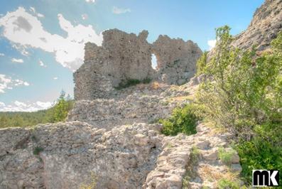 Μεσαιωνικό φρούριο Ustra κοντά στο χωριό Ustren